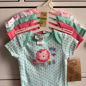🛍 Chic Pea Baby girl body suits NWT